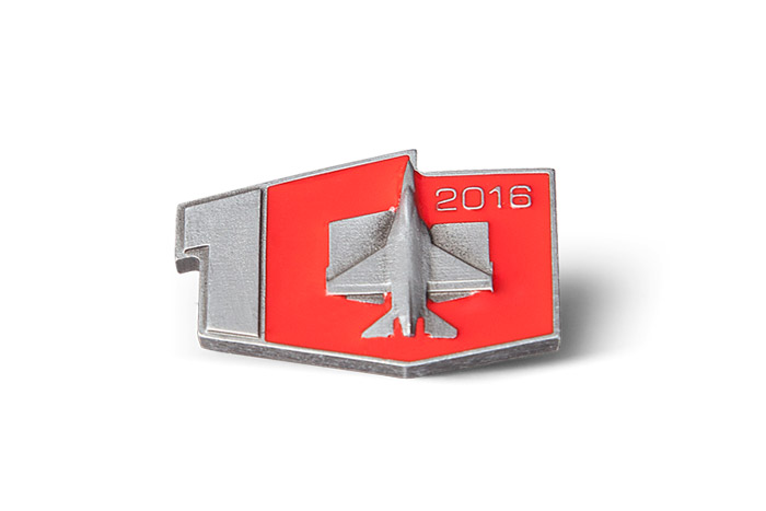 F16 - enamel pin