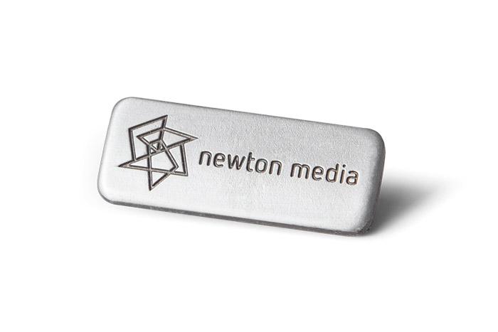 Newton media pin